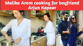Malika Arora cooking for boyfriend Arjun Kapoor