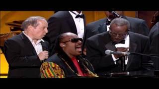 Paul Simon & Stevie Wonder - Loves Me Like A Rock