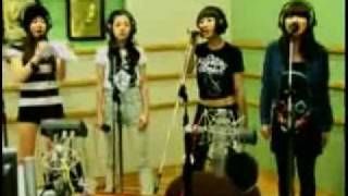 2NE1 Say goodbye by Chris Brown on KBS CoolFM