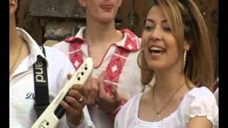 Alex de la Orăștie și Laura-Nuntă made în România