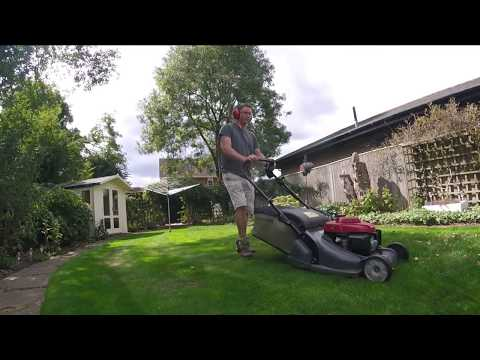 Lawn Mowing with the Honda HRX 476