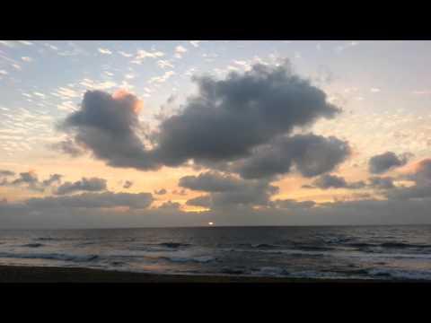Восход солнца. Бенгальский залив Индийск