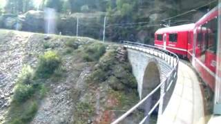 preview picture of video 'Breathtaking Bernina Express: An extraordinary train experience in Switzerland (5/9)'