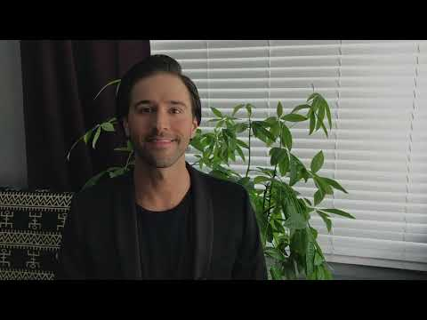 Welcome to my voice studio! This video will give you a brief introduction to what I offer. Don't hesitate to reach out!