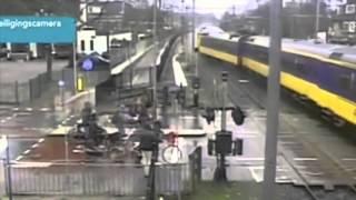 Shocking Train Crash Derailment Dutch Railways / Ontsporing Hilversum 2014