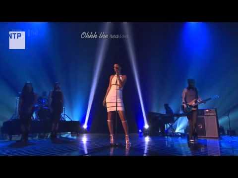 [Vietsub] Rihanna - Stay/We Found Love (hát live tại chung kết The X Factor UK 2012)