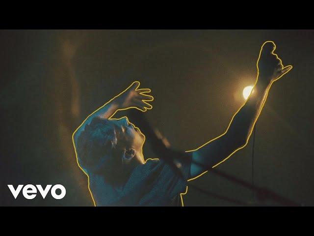 Kid Astray – Fall To My Knees