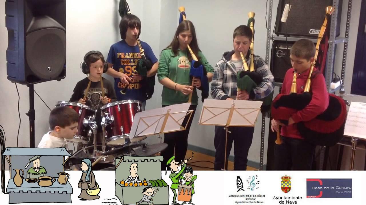 En un mercado medieval - Grupo de alumnos de gaita y percusión