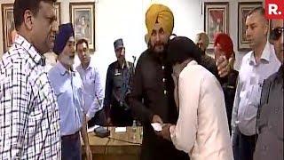Navjot Singh Sidhu Gives Rs 15 Lakh To Farmers
