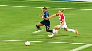 19 Yaşındaki Mbappe, Lionel Messi ve Cristiano Ronaldo'dan Daha İyi Olduğunu Kanıtlıyor