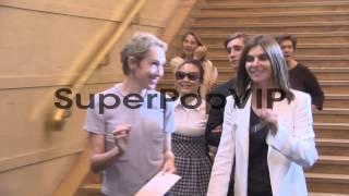 B-ROLL - Carine Roitfeld, Emmanuelle Alt At Paris Haute C...