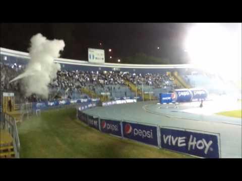 """""""Cremas 0-0 Rojos - Clásico 298 - Previa y Recibimiento (Extintores y Telón) Vltra Svr"""" Barra: Vltra Svr • Club: Comunicaciones"""