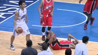 The James Yap Calvin Abueva Matchup Gets Heated