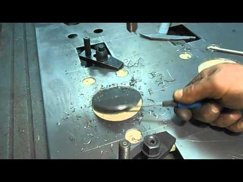 Отвори в листовому металі