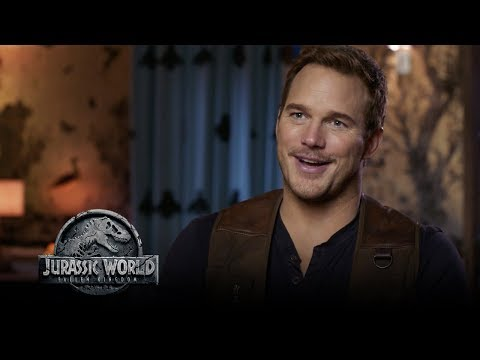Jurassic World: Fallen Kingdom - Watch The Trailer Now! (Go Behind The Scenes) (HD)