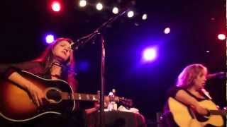 Hold On, Matraca Berg, Gretchen Peters, Suzy Bogguss