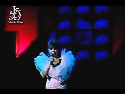 Verónica Castro interpretando