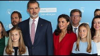 Los Reyes arropan a Leonor en su debut en Cataluña | Diez Minutos