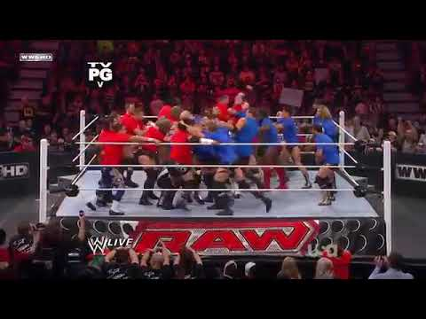 Team Raw vs team smack down live in a battle royal 7c WWE raw ......