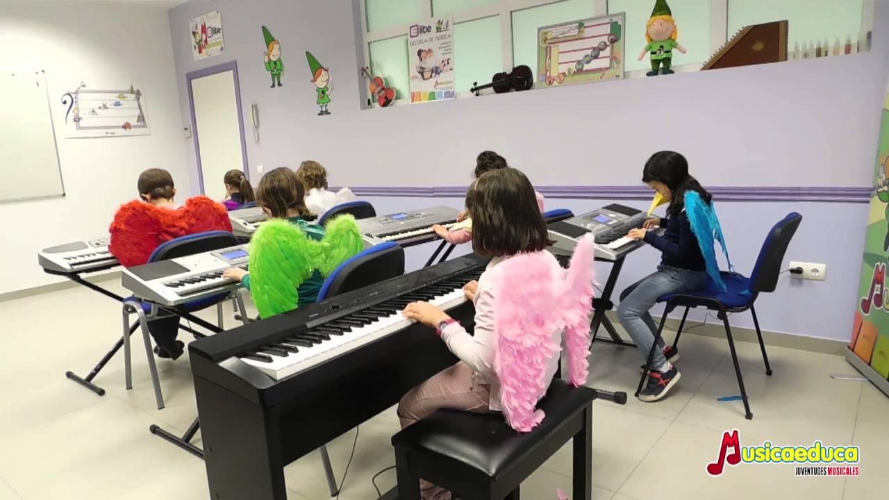 Soy un Pájaro -  Grupo de alunmnos de Mi teclado 2 - Academia Élite - Guadalajara