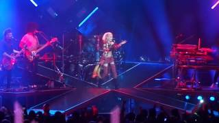 Gwen Stefani - Red Flag live in Houston
