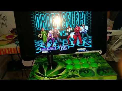 Jugando kof2002 sup arcade (2)