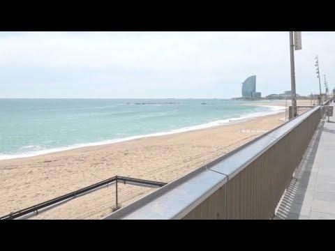 Iσπανία: Οι παραλίες της Βαρκελώνης θα ανοίξουν την Τετάρτη για περπάτημα