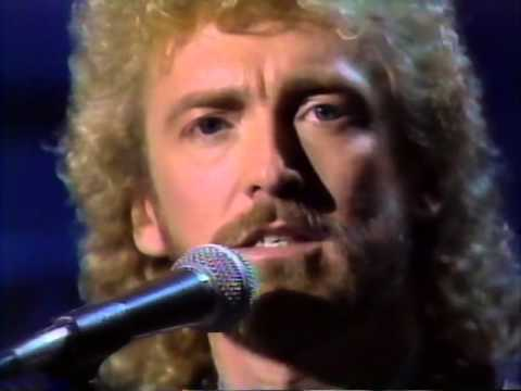 Keith Whitley Going #1 For The First Time. - Stone Country