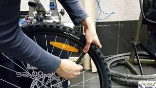 Видео: Замена велосипедной покрышки и заклеивание прокола