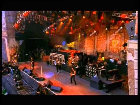 Bon Jovi - Livin' on a Prayer- Live from Wembley Stadium 1995