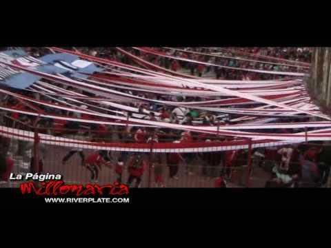 """""""Lo Único que quiero es ver a River campeón, en Parque Patricios, Clausura 2009"""" Barra: Los Borrachos del Tablón • Club: River Plate • País: Argentina"""