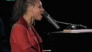 Alicia Keys - How Come You Don't Call Me @ Rock In Rio