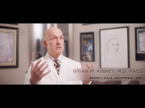 EMSCULPT and Mommy Makeover - <strong>M.D. Brian Kinney</strong>