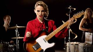 Anna Calvi - Suzanne And I (Official Video)