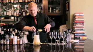 How to make a Bellini - DrinkSkool Cocktails