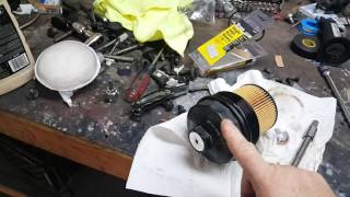 How to replace the engine air filter in a 3 2l v6 volkswagen touareg change the oil in 2004 volkswagen touareg v8 fandeluxe Image collections
