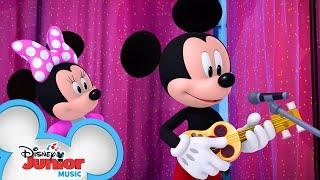 Crooner Mickey   Mickey Mouse Mixed-Up Adventures   @Disney Junior