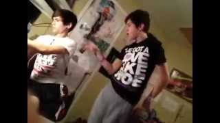 Austin Mahone and Robert Villanueva Sing One Less Lonely Girl To Alex Constancio