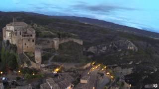 preview picture of video 'Volando al atardecer en Alquézar'