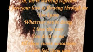 DIANA ROSS - LOVE ME ( LYRICS ) VINYL 1982