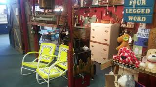 Antique Dealers - Booth Design And Layout