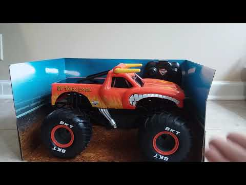 Monster Jam 1:15th Scale RC El Toro Loco Monster truck by Spin Master. Unboxing and Review