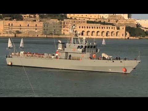 Παραμένει εγκλωβισμένο στη Μεσόγειο το πλοίο της Sea Watch