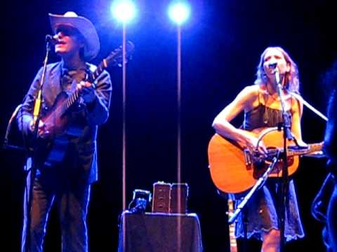 "Gillian Welch and David Rawlings - ""My Morphine"" in Chicago 7/22/11"