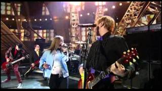 Avril Lavigne - Sk8er Boi @ 45th Grammy Awards