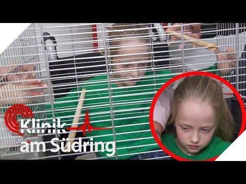 Kind steckt im Vogelkäfig fest! Wieso ist sie da drin? | Klinik am Südring | SAT.1