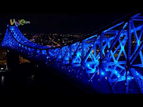 Jacques Cartier Bridge being lit up again - Do you feel it