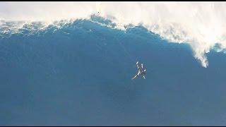 Сёрфер сорвался с 12-метровой волны