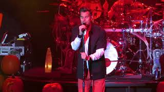 "311 ""Flowing"" 10-31-17  The Paramount, Huntington N.Y."