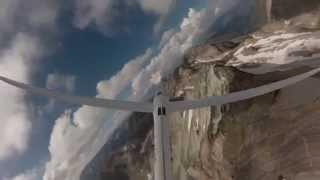 preview picture of video 'Vol au dessus des Pyrénées !'